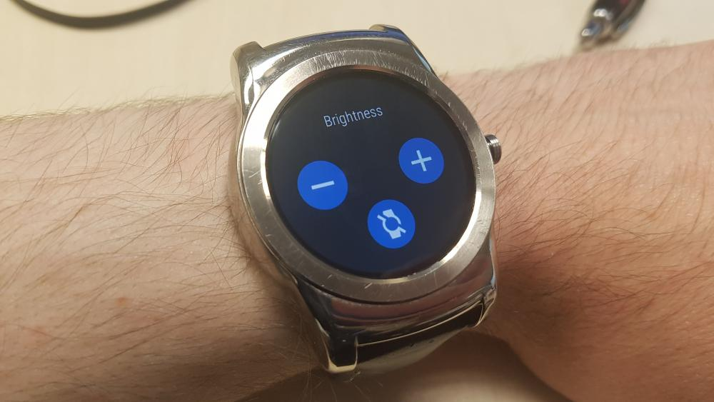 Android Wear 2.0 Brightness Settings
